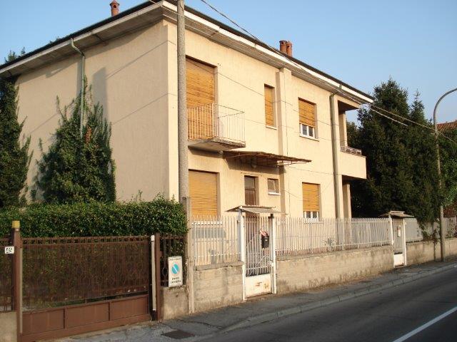 Parabiago | Villa in Vendita in VIA SABOTINO | lacasadimilano.it