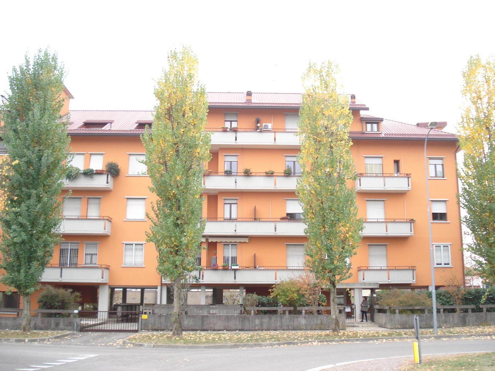 Parabiago   Appartamento in Vendita in Via 5 Giornate   lacasadimilano.it