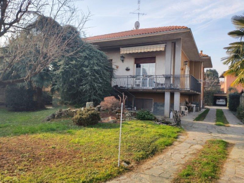 Villa Singola in Vendita a Canegrate