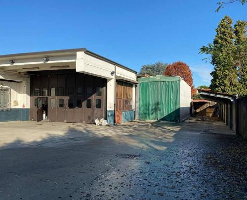 Capannone - Laboratorio in Vendita a Canegrate