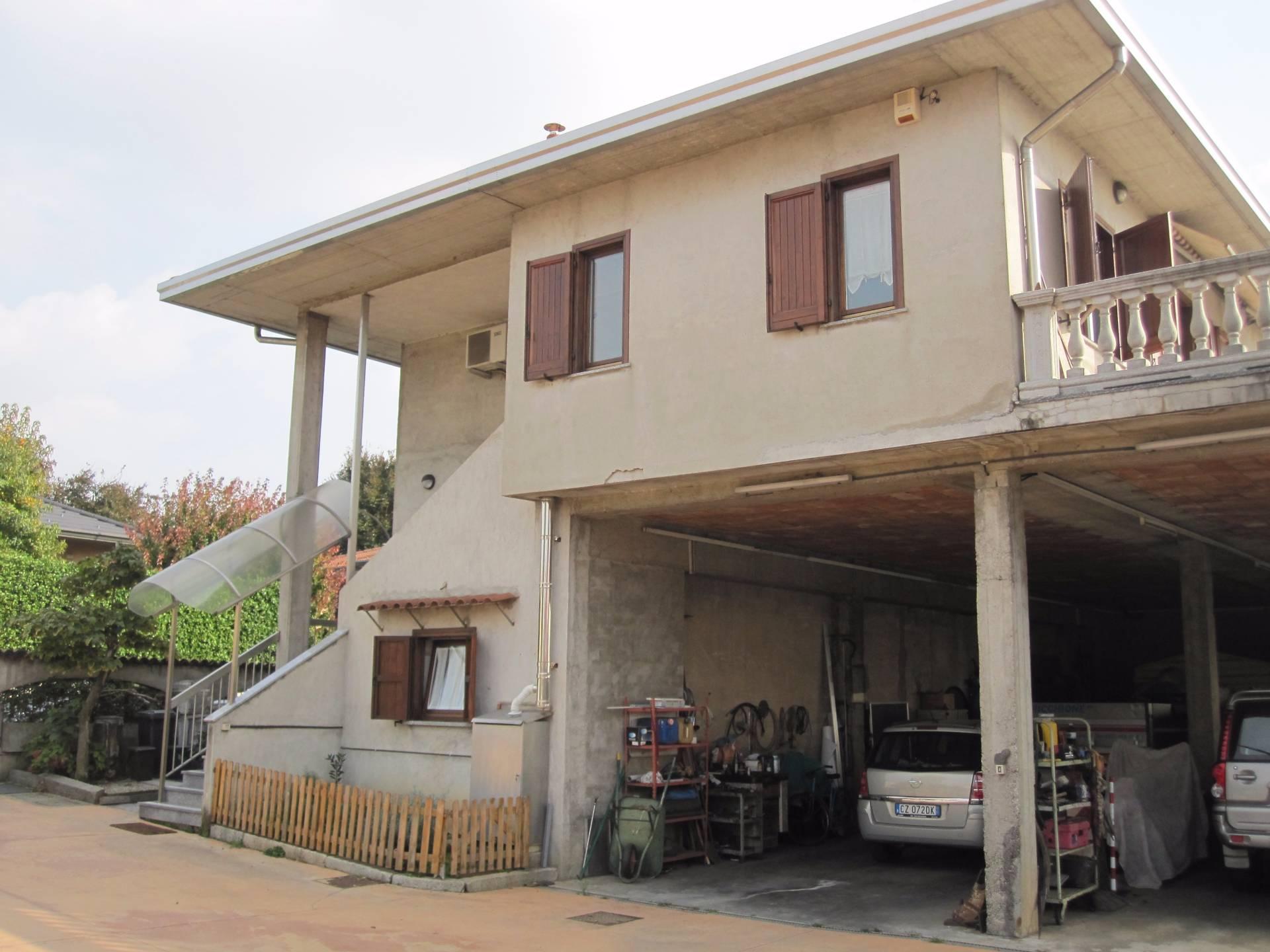 Villa in vendita a San Giorgio su Legnano, 5 locali, prezzo € 350.000 | Cambio Casa.it