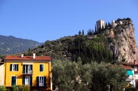 Villa in vendita a Arco, 10 locali, Trattative riservate | Cambio Casa.it