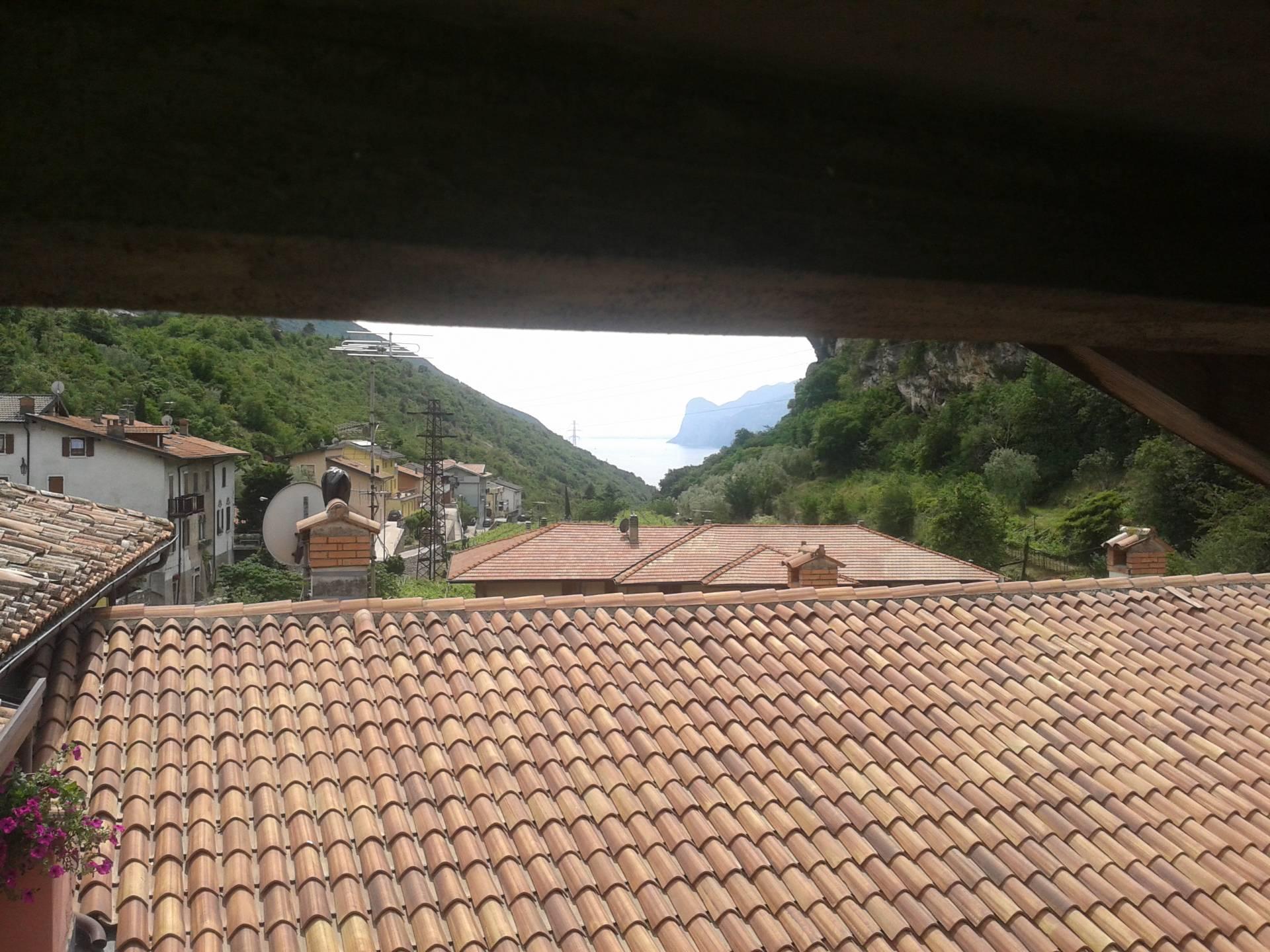 Appartamento in vendita a Nago-Torbole, 4 locali, zona Zona: Nago, Trattative riservate | Cambio Casa.it