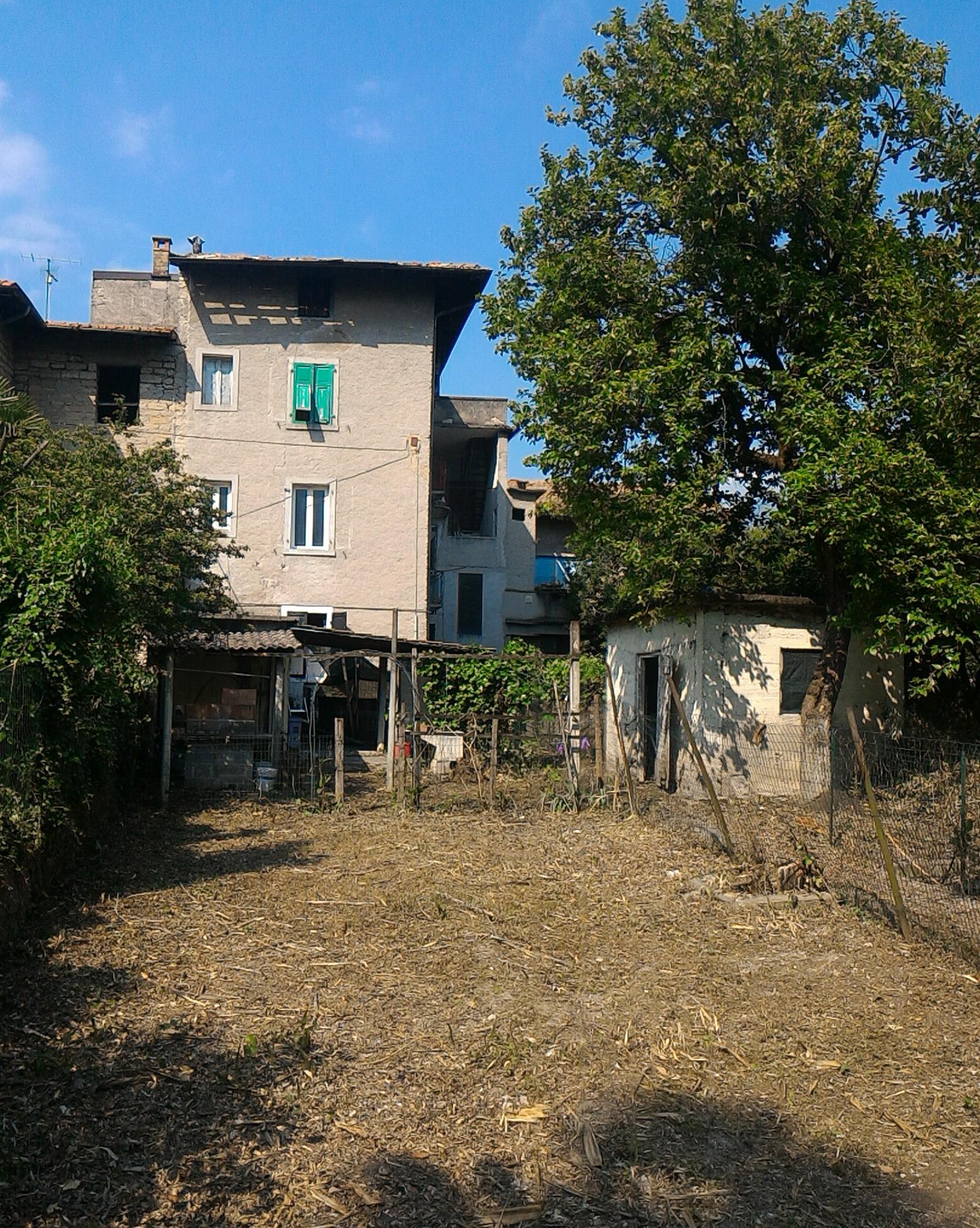 Soluzione Indipendente in vendita a Riva del Garda, 12 locali, zona Zona: Riva, Trattative riservate | CambioCasa.it