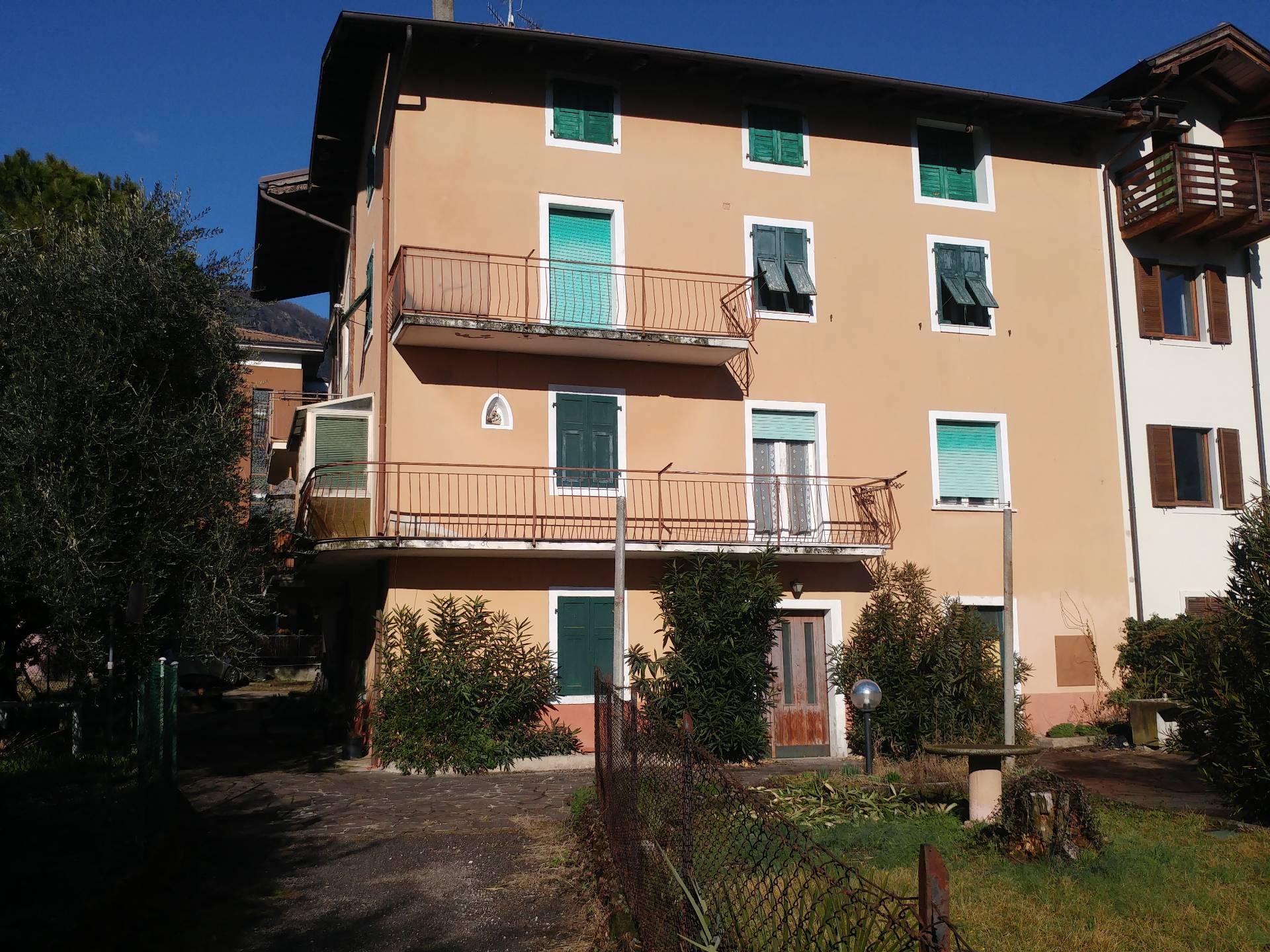 Soluzione Indipendente in vendita a Riva del Garda, 6 locali, zona Zona: Riva, prezzo € 374.000 | CambioCasa.it