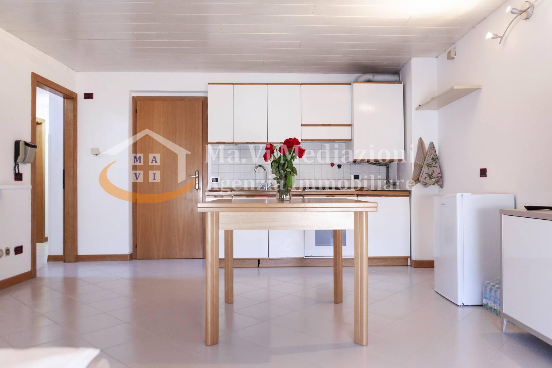 Appartamento in vendita a Nago-Torbole, 3 locali, zona Zona: Nago, prezzo € 196.000 | CambioCasa.it