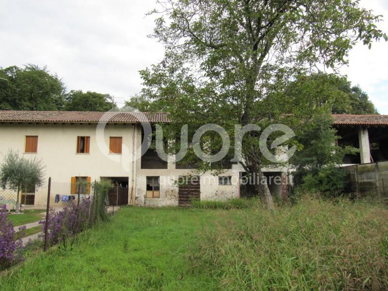 Rustico / Casale in vendita a Codroipo, 9999 locali, zona Zona: Passariano, prezzo € 90.000 | Cambio Casa.it
