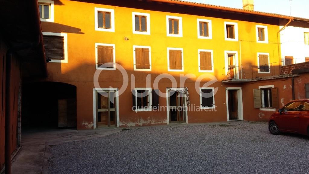 Soluzione Indipendente in vendita a Povoletto, 10 locali, zona Zona: Bellazoia, prezzo € 140.000 | CambioCasa.it