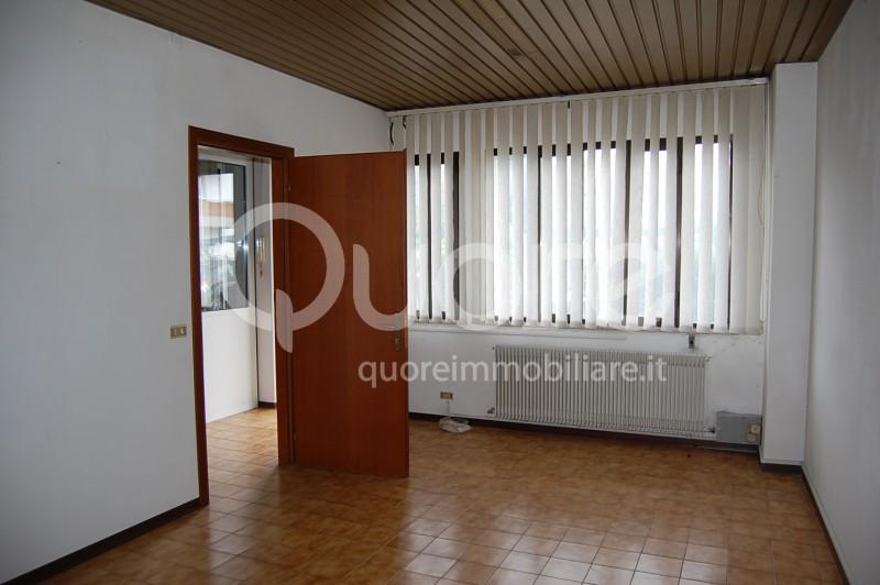 Ufficio / Studio in affitto a Pasian di Prato, 9999 locali, prezzo € 400 | CambioCasa.it