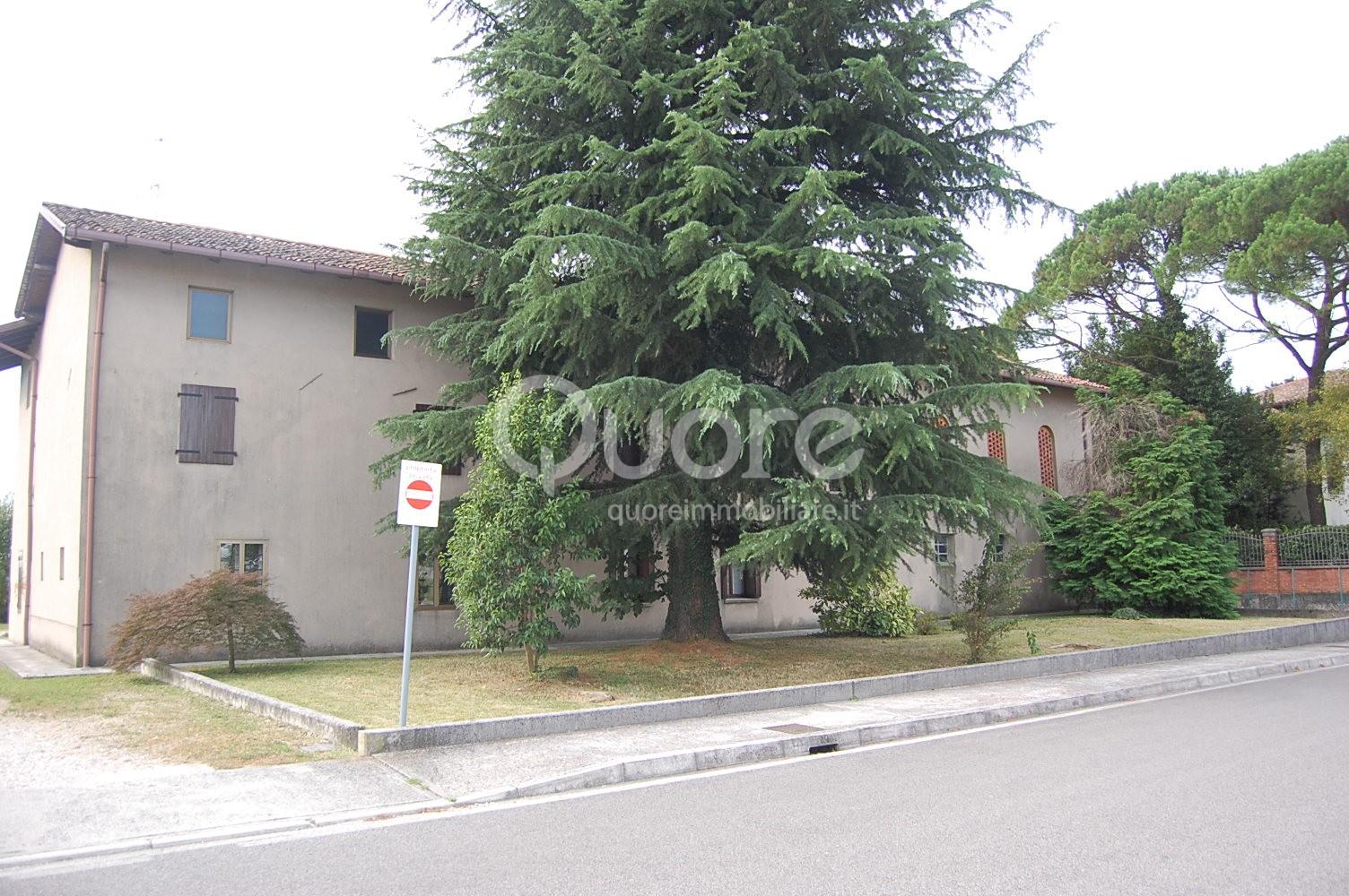 Soluzione Semindipendente in vendita a Pagnacco, 9 locali, prezzo € 325.000 | Cambio Casa.it
