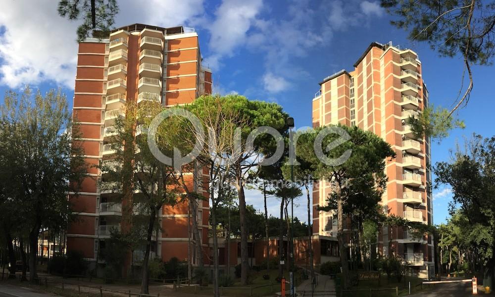 Appartamento in vendita a Lignano Sabbiadoro, 4 locali, zona Località: LignanoPineta, prezzo € 270.000 | CambioCasa.it