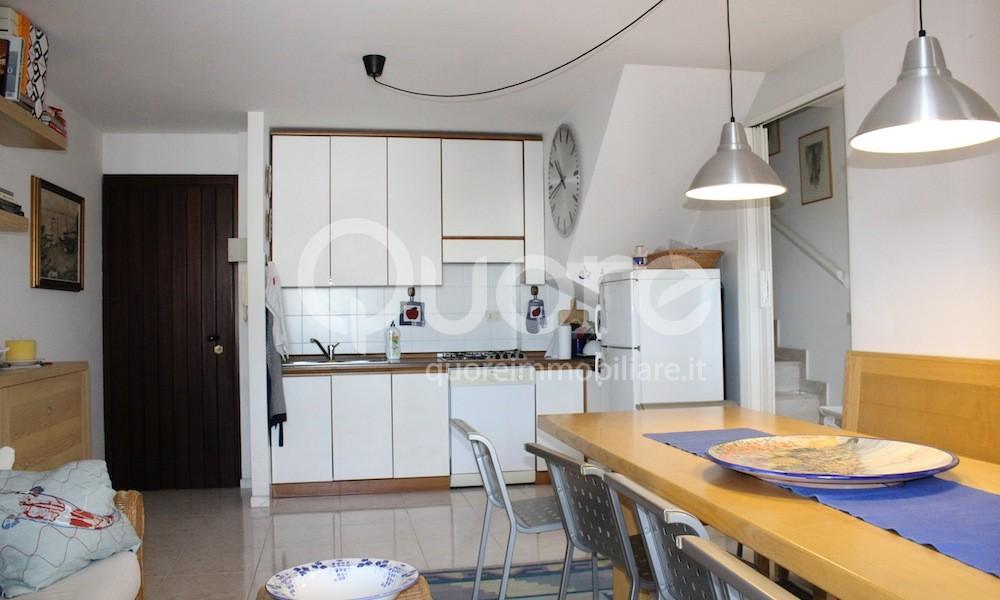 Attico / Mansarda in vendita a Lignano Sabbiadoro, 4 locali, zona Località: LignanoPineta, prezzo € 280.000 | CambioCasa.it