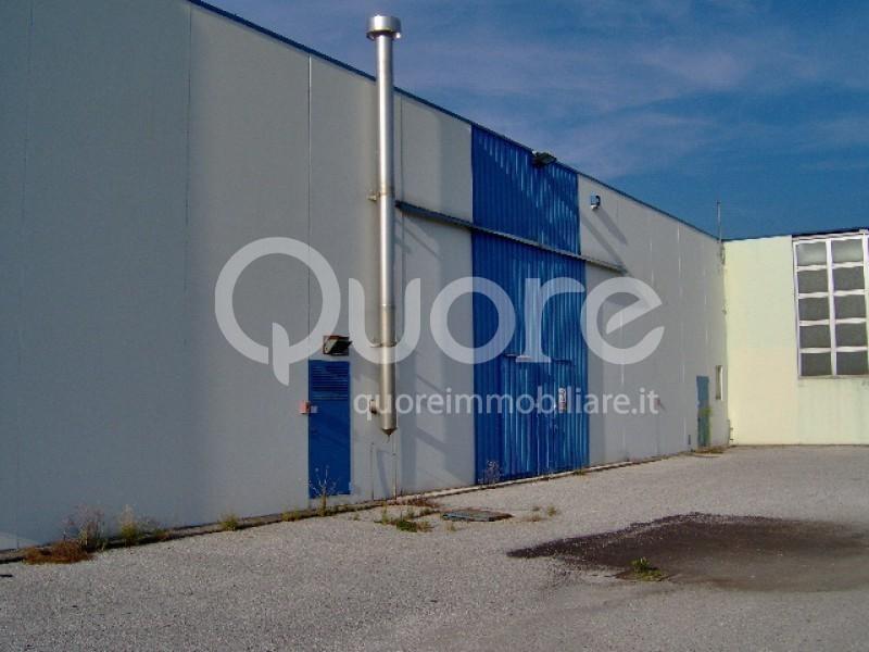 Capannone in vendita a Udine, 9999 locali, prezzo € 350.000 | Cambio Casa.it