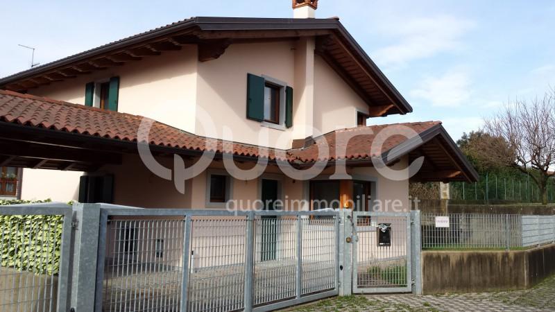 Villa in vendita a Tricesimo, 6 locali, prezzo € 275.000 | Cambio Casa.it