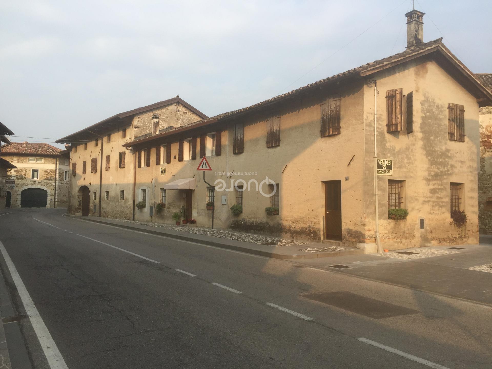 Soluzione Indipendente in vendita a Trivignano Udinese, 12 locali, prezzo € 150.000   Cambio Casa.it