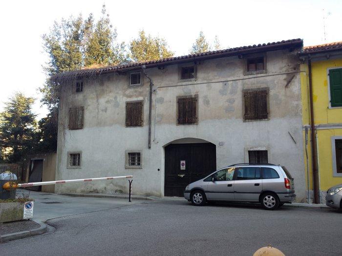 Rustico / Casale in vendita a Udine, 10 locali, zona Zona: Semicentro, prezzo € 195.000 | Cambio Casa.it