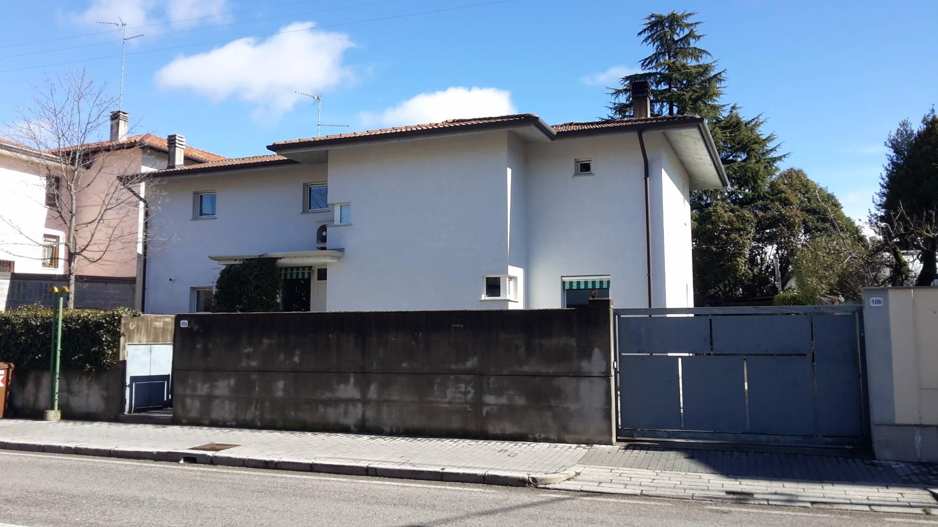 Soluzione Indipendente in vendita a Udine, 7 locali, prezzo € 370.000 | CambioCasa.it