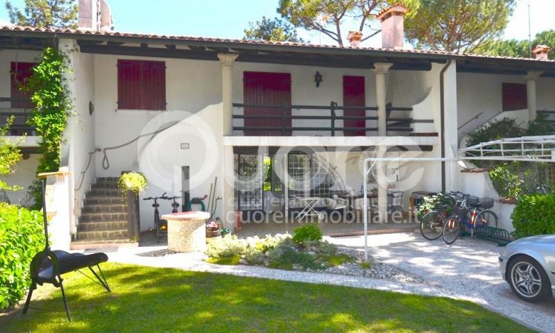 Soluzione Indipendente in vendita a Lignano Sabbiadoro, 6 locali, zona Località: LignanoPineta, prezzo € 350.000   Cambio Casa.it