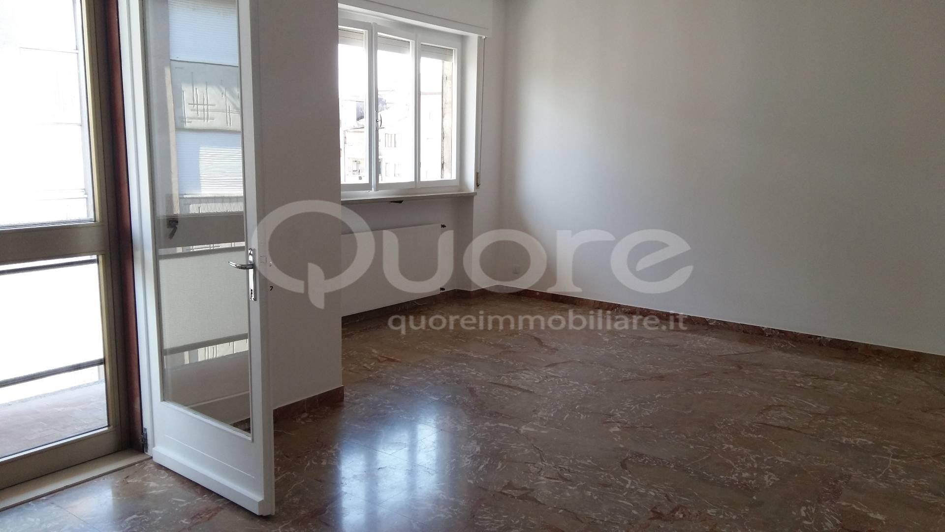 Appartamento in affitto a Udine, 5 locali, zona Zona: Semicentro, prezzo € 550 | Cambio Casa.it