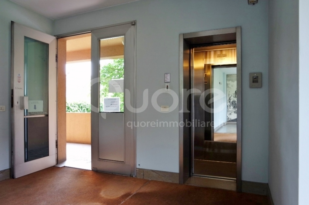 Ufficio / Studio in vendita a Udine, 9999 locali, zona Zona: Semicentro, prezzo € 310.000 | Cambio Casa.it