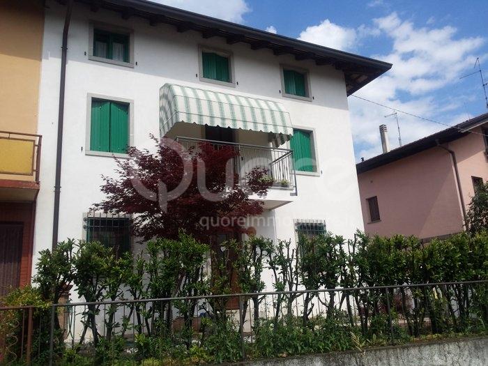 Soluzione Indipendente in vendita a Udine, 5 locali, zona Zona: Cussignacco, prezzo € 180.000 | CambioCasa.it