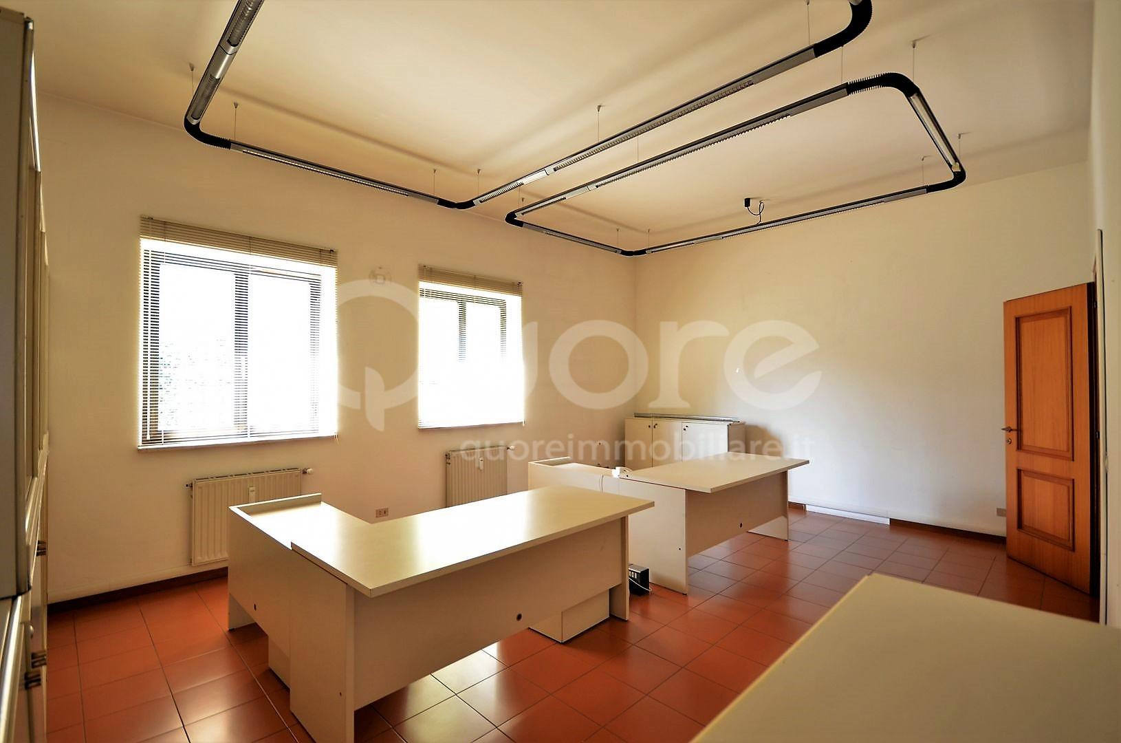 Ufficio / Studio in affitto a Udine, 9999 locali, prezzo € 1.900 | Cambio Casa.it
