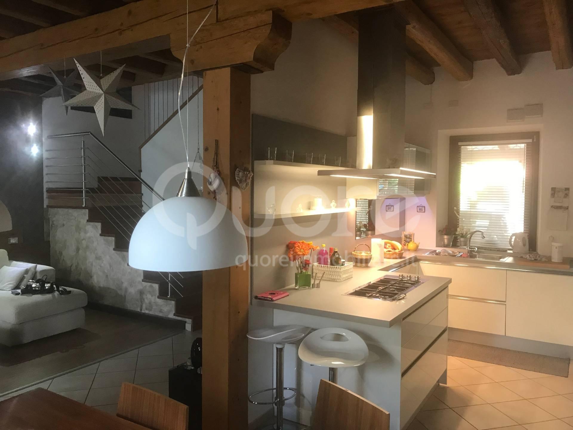 Villa a Schiera in vendita a Martignacco, 7 locali, prezzo € 280.000 | CambioCasa.it
