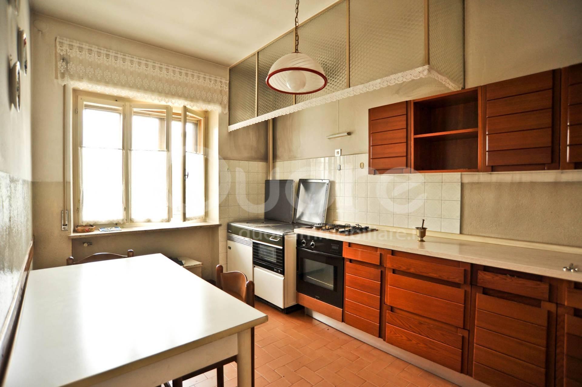 Rustico / Casale in vendita a Moruzzo, 5 locali, zona Zona: Alnicco, prezzo € 145.000   CambioCasa.it