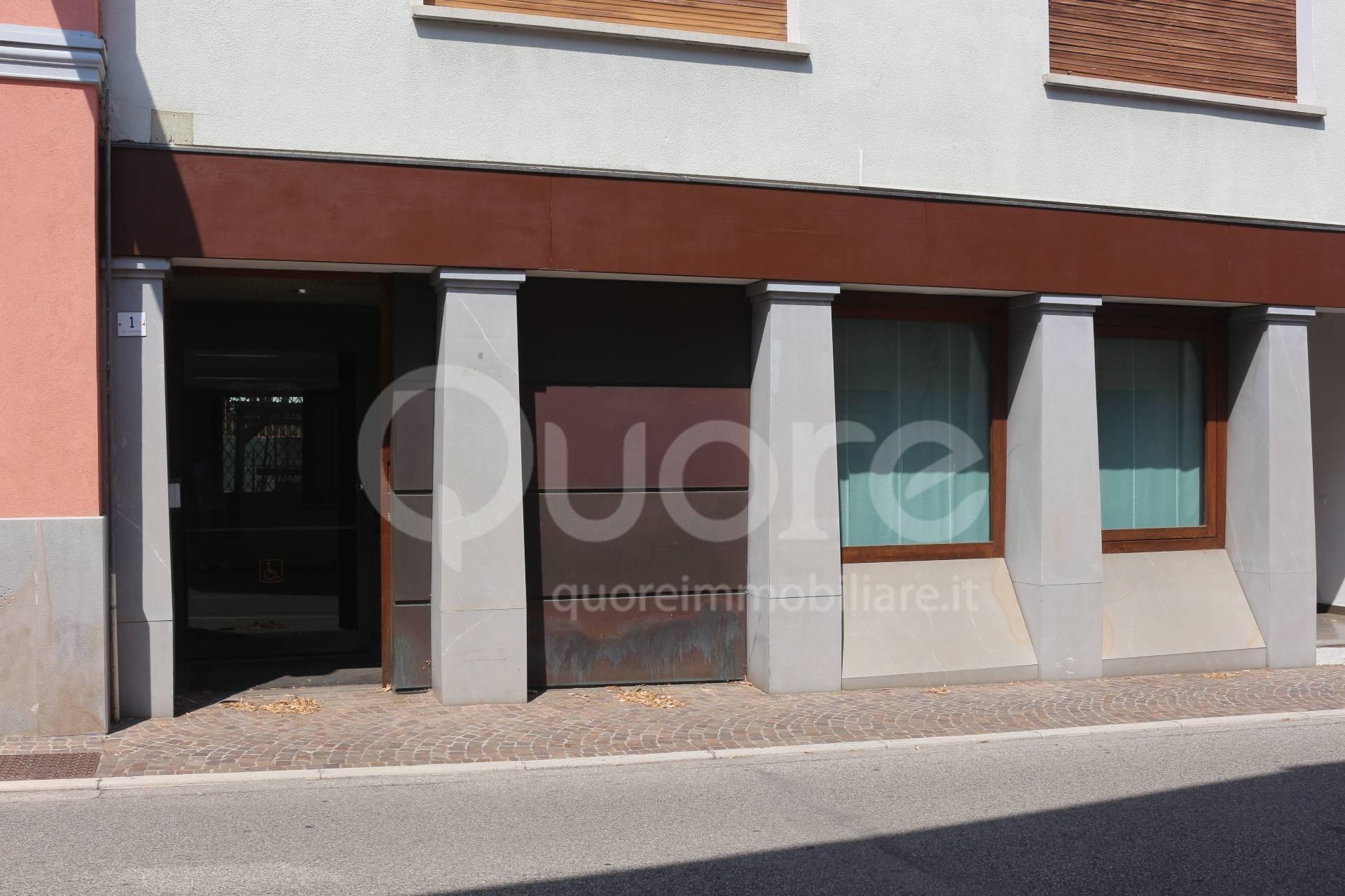 Negozio / Locale in vendita a Martignacco, 9999 locali, prezzo € 85.000 | CambioCasa.it