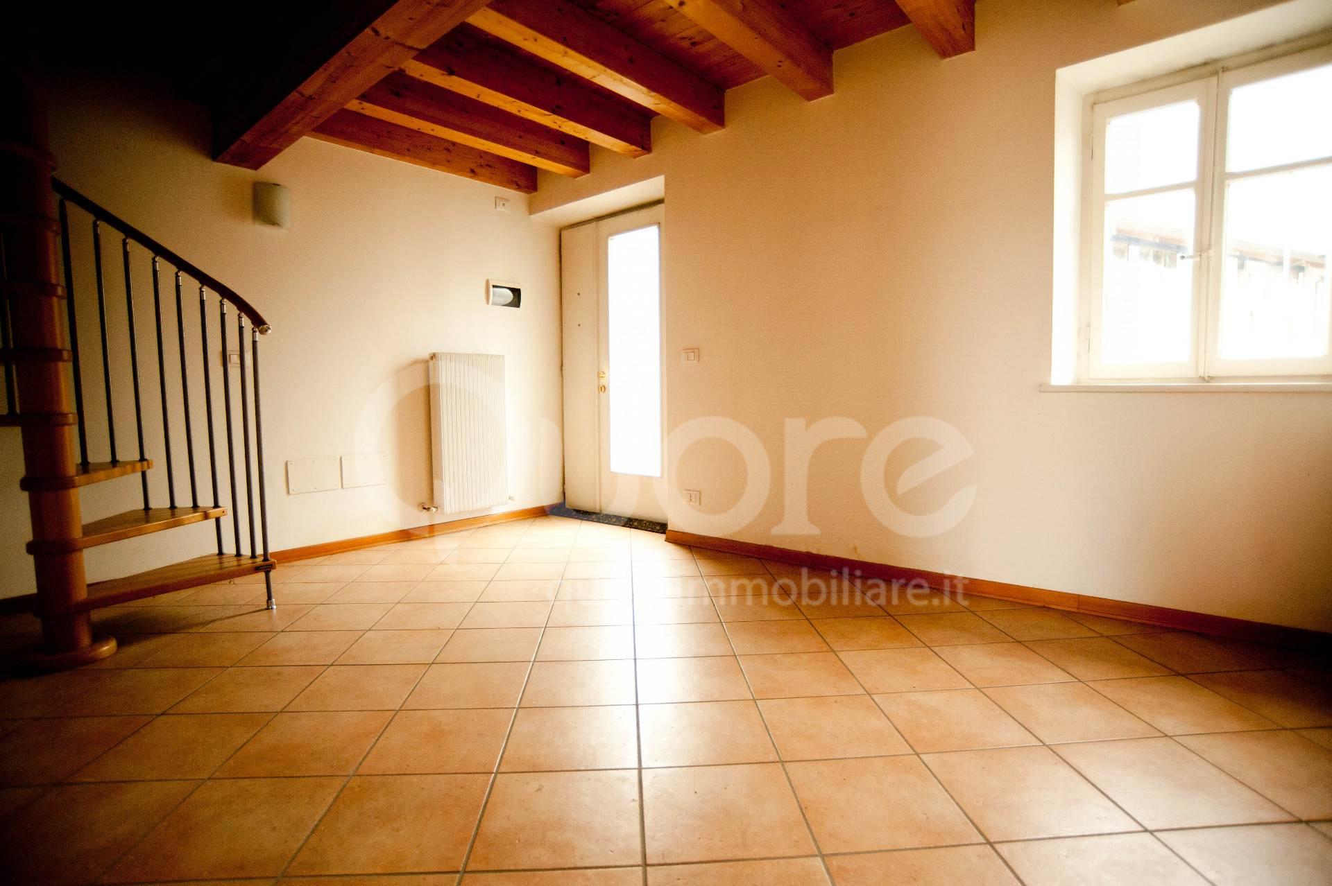Soluzione Semindipendente in vendita a Campoformido, 5 locali, prezzo € 88.000   CambioCasa.it