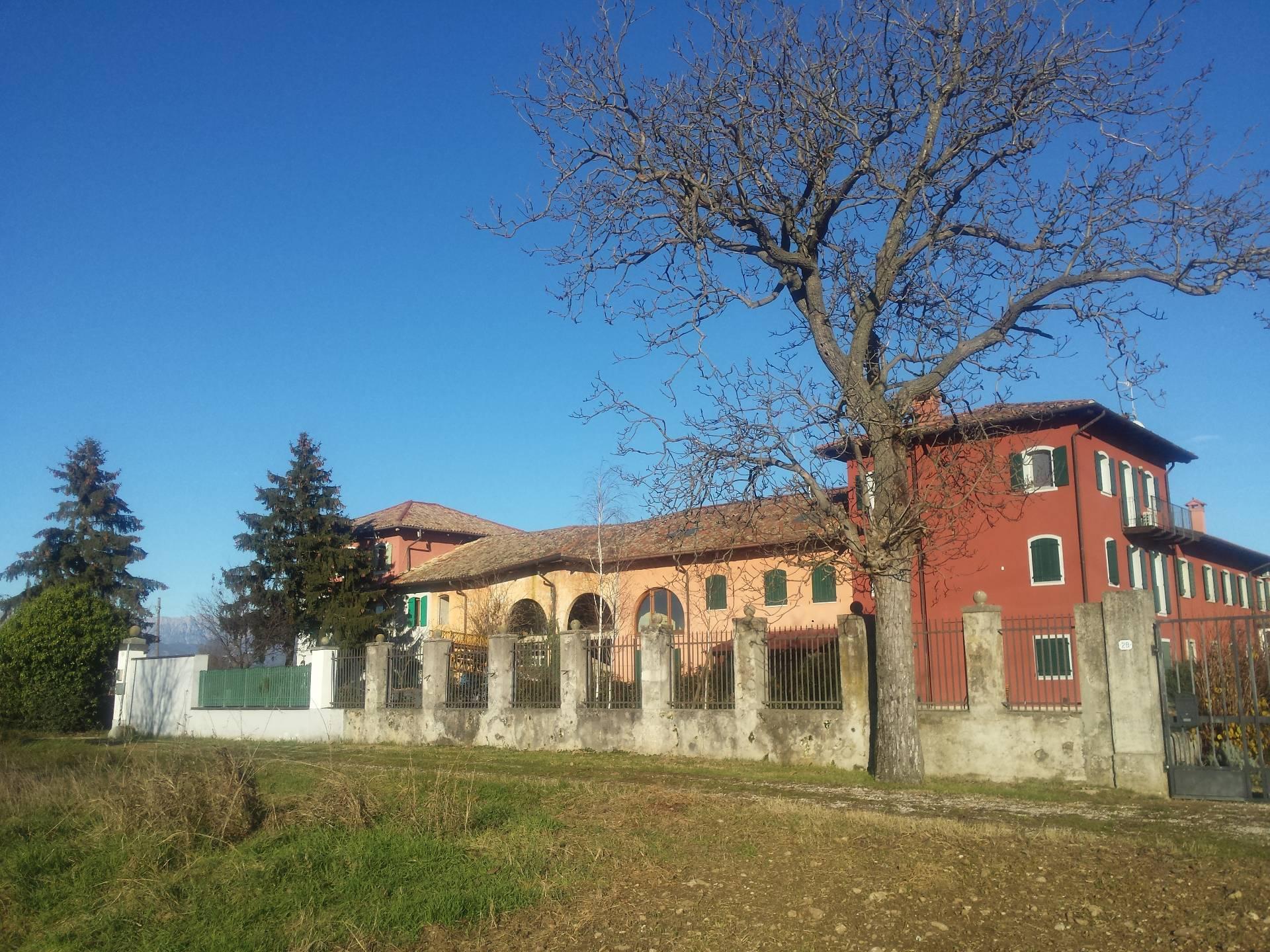 Giardino In Città Udine rustico a udine - beivars cod. pq9155