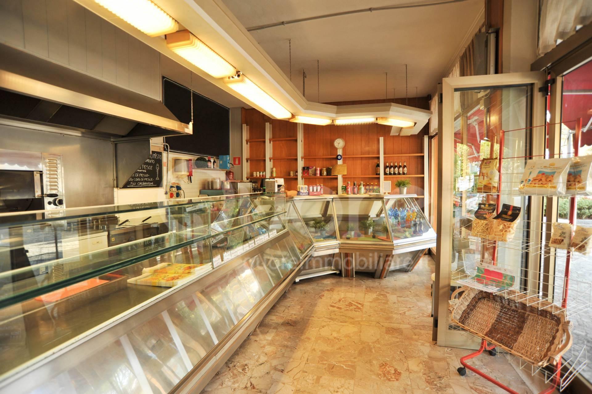 Attività / Licenza in vendita a Lignano Sabbiadoro, 9999 locali, prezzo € 160.000 | CambioCasa.it