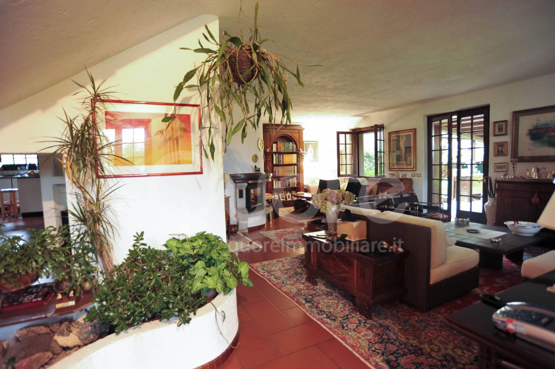 Villa in vendita a Fagagna, 7 locali, prezzo € 485.000 | CambioCasa.it