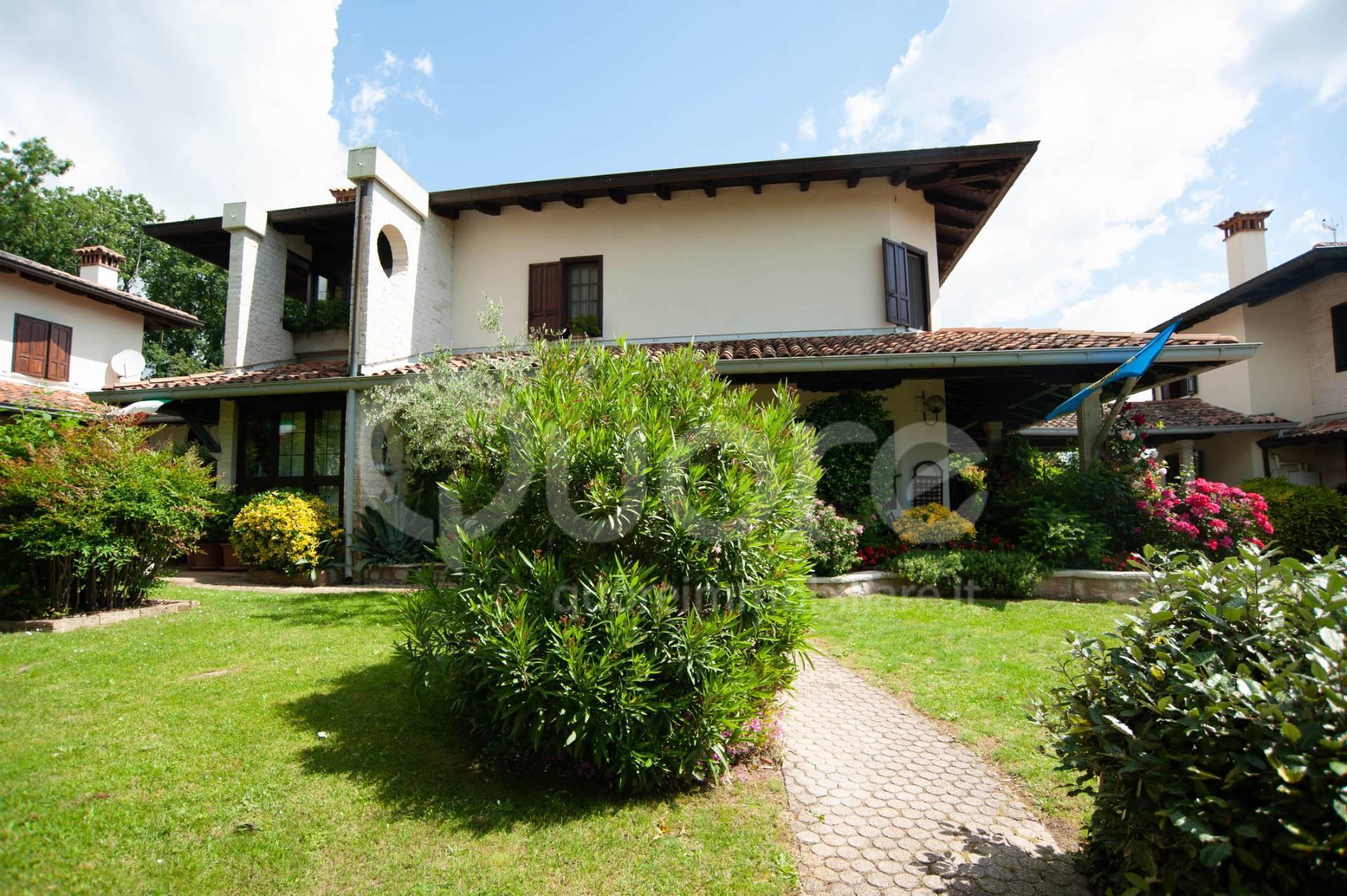 Villa in vendita a Fagagna, 7 locali, prezzo € 385.000 | CambioCasa.it