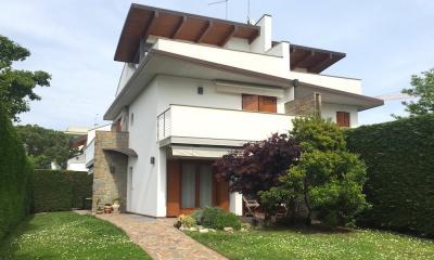 Recente villa Bifamiliare