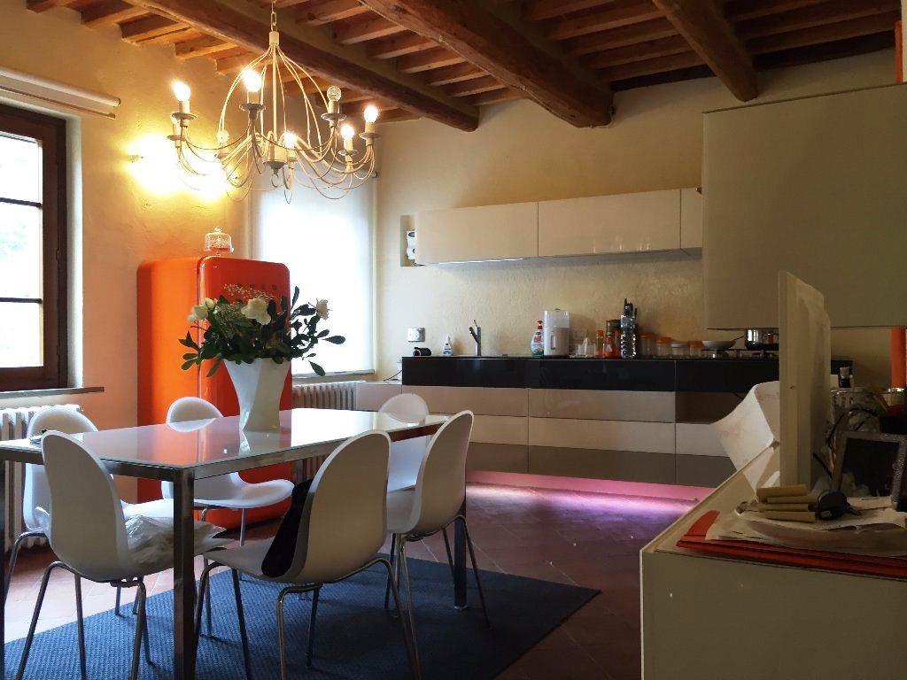 Soluzione Indipendente in vendita a Pontedera, 5 locali, zona Zona: Montecastello, prezzo € 195.000 | Cambio Casa.it
