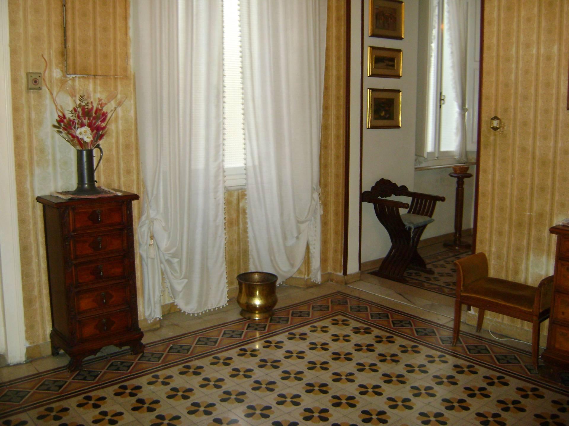 Appartamento in vendita a Livorno, 9 locali, zona Località: Centrostorico, prezzo € 390.000   Cambio Casa.it