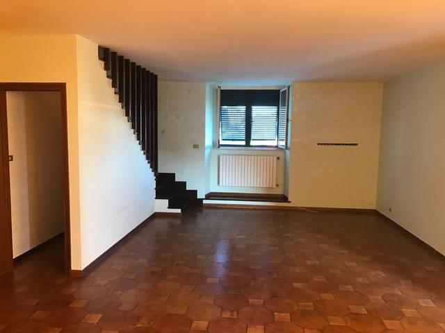 Appartamento in vendita a Livorno, 5 locali, zona Zona: Montenero, prezzo € 270.000 | Cambio Casa.it