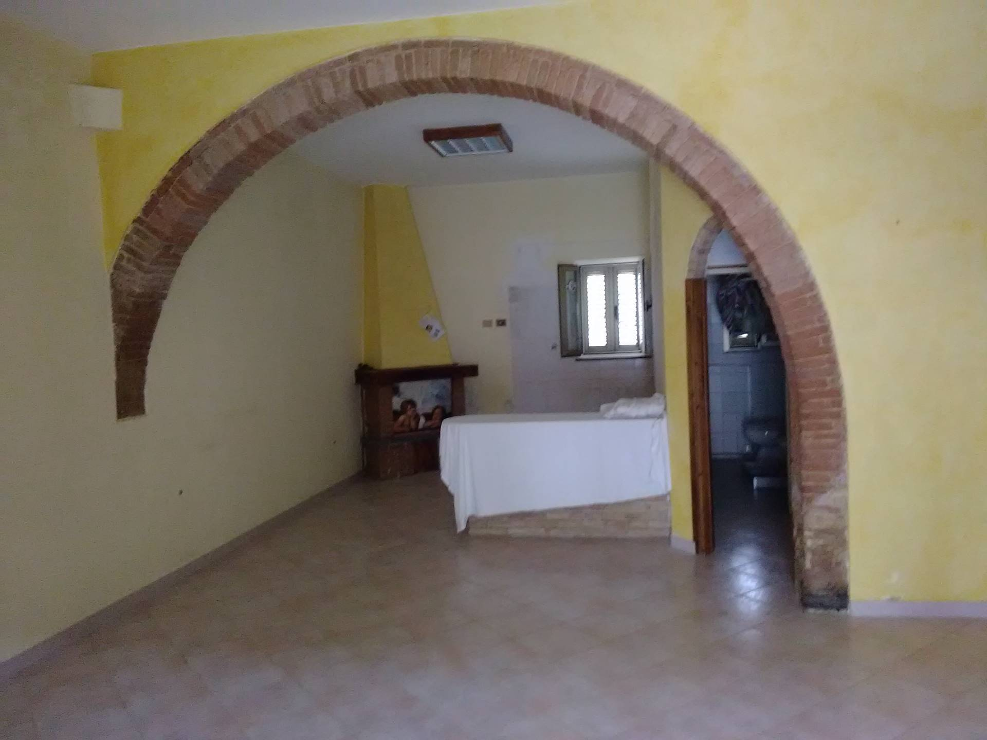 Villa in vendita a Collesalvetti, 6 locali, zona Località: Collesalvetti, prezzo € 280.000 | Cambio Casa.it