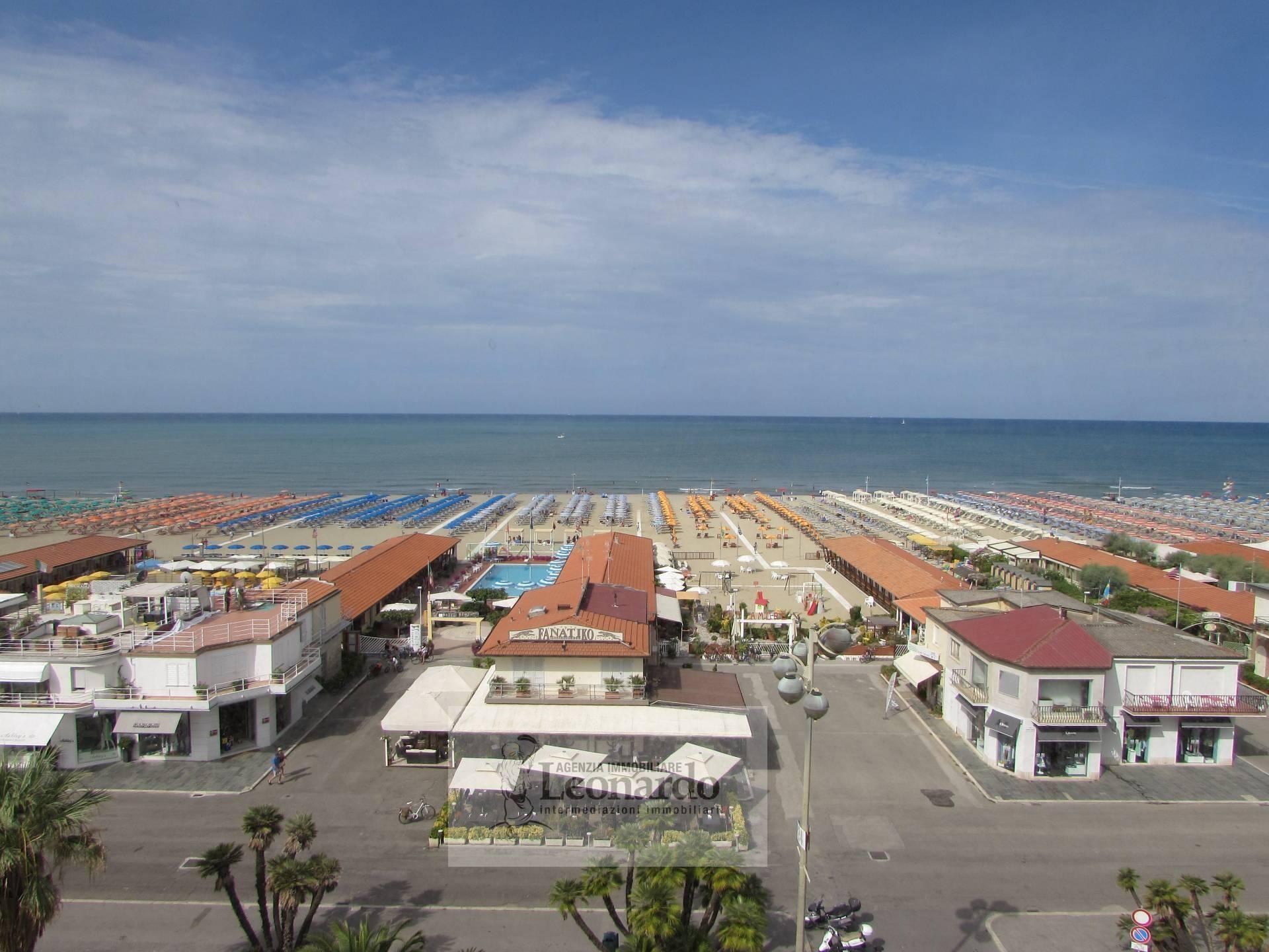 FONDO COMMERCIALE in Vendita a Viareggio (LUCCA)