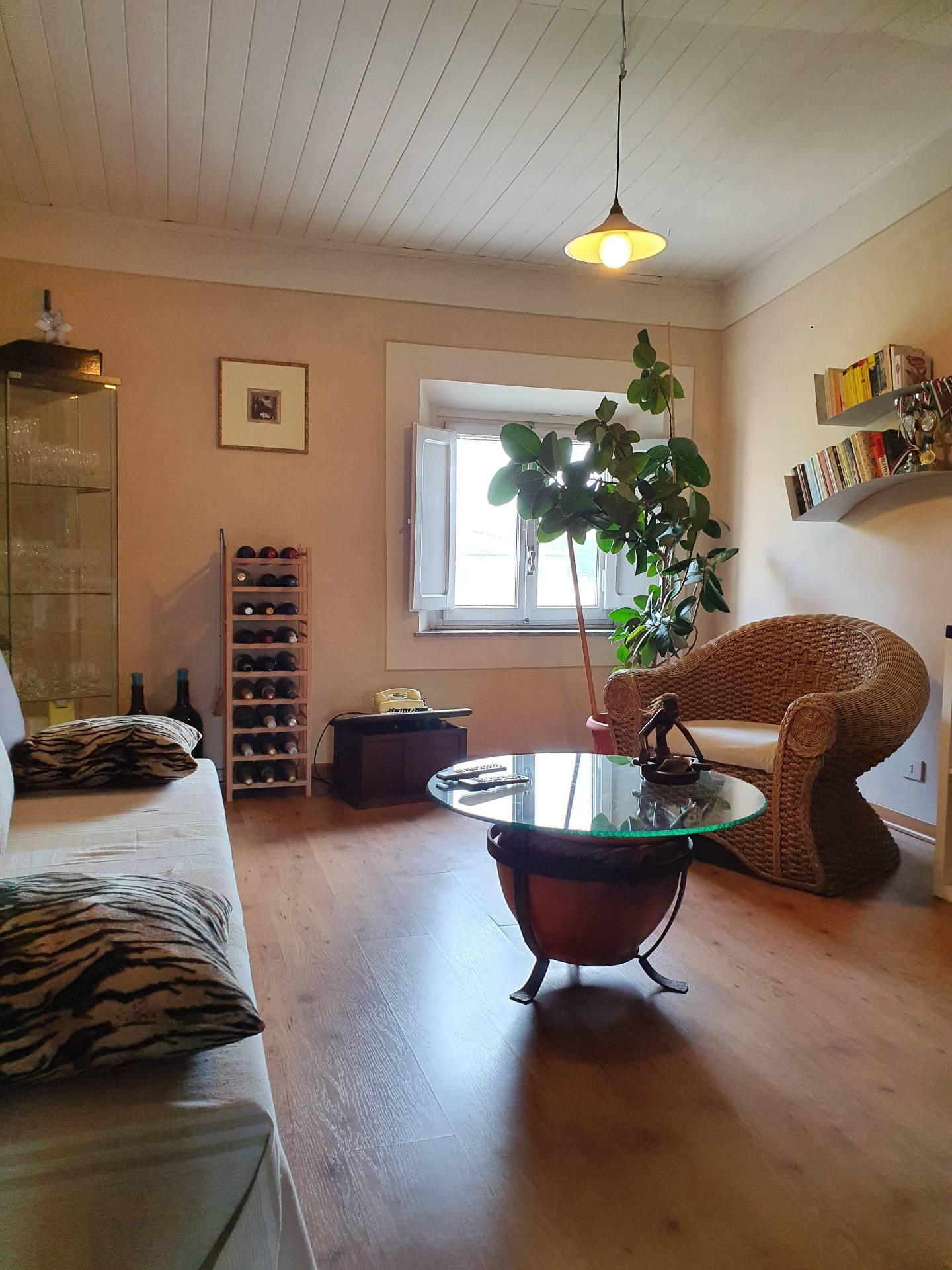 Appartamento in vendita a Capannori, 5 locali, prezzo € 125.000 | PortaleAgenzieImmobiliari.it