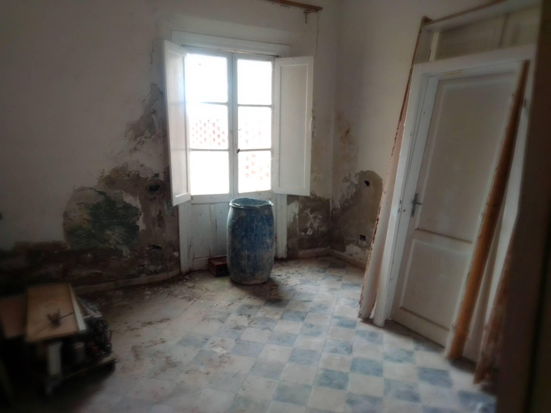 Appartamento in vendita a Palaia, 4 locali, zona efoscoli, prezzo € 100.000 | PortaleAgenzieImmobiliari.it