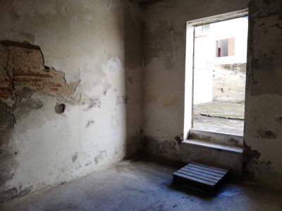Locale comm.le/Fondo a Santa Croce sull'Arno (3/5)