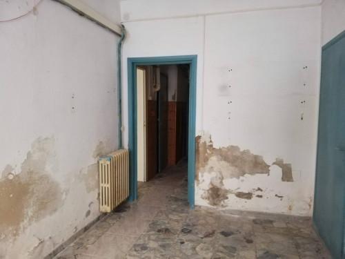 Locale comm.le/Fondo a Castelfranco di Sotto (5/5)