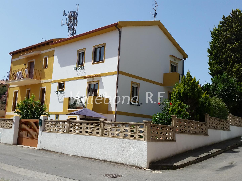 Appartamento in vendita a Carloforte, 6 locali, zona Località: CarlofortePaese/Citycentre, prezzo € 280.000 | CambioCasa.it