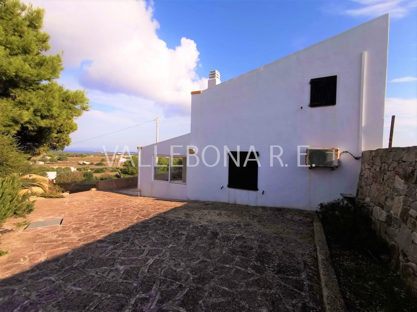 Villa in vendita a Carloforte, 4 locali, zona Località: Carlofortefuoripaese/Outsidetown, prezzo € 265.000 | CambioCasa.it