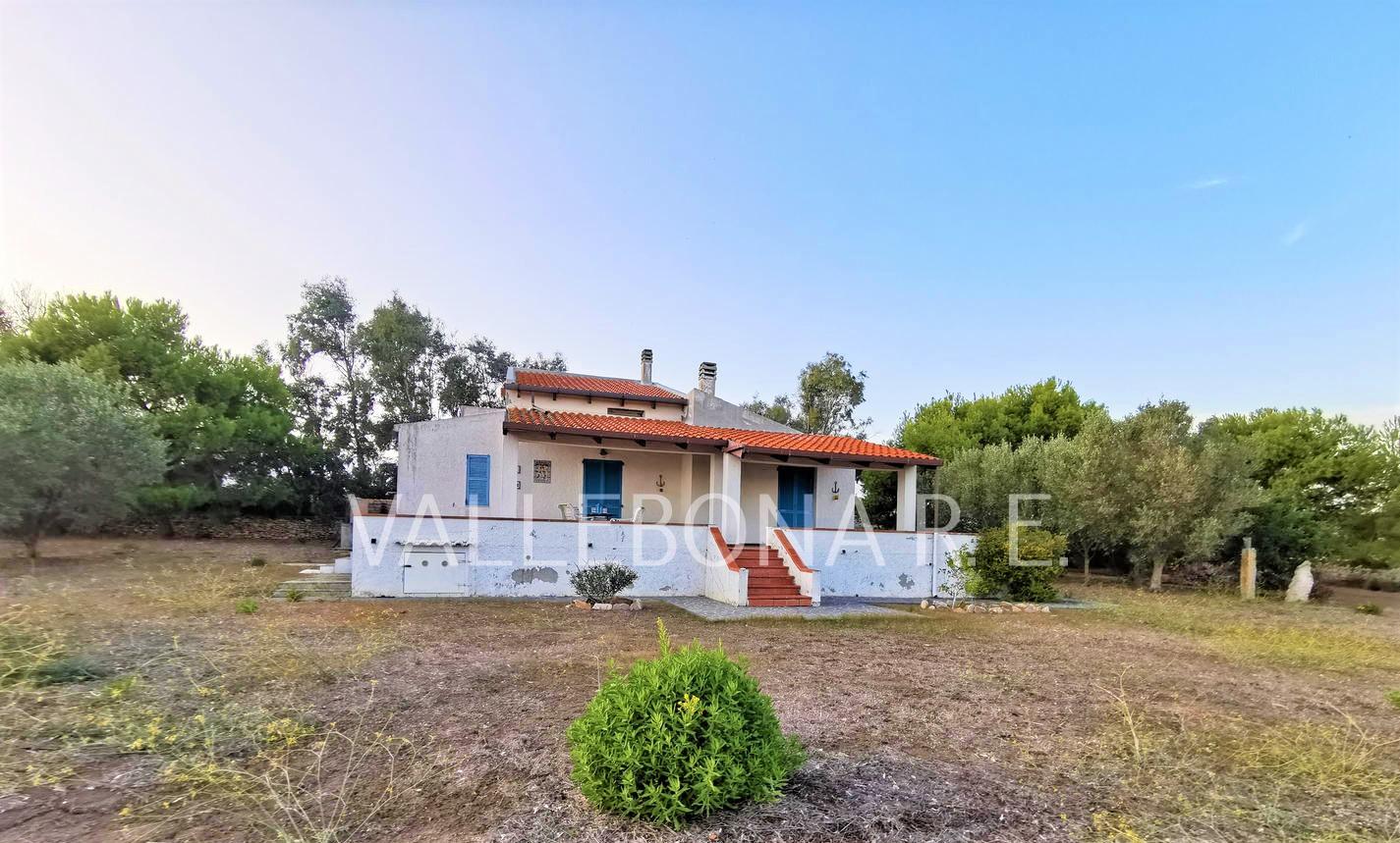 Villa in vendita a Carloforte, 7 locali, zona Località: Carlofortefuoripaese/Outsidetown, prezzo € 380.000 | CambioCasa.it