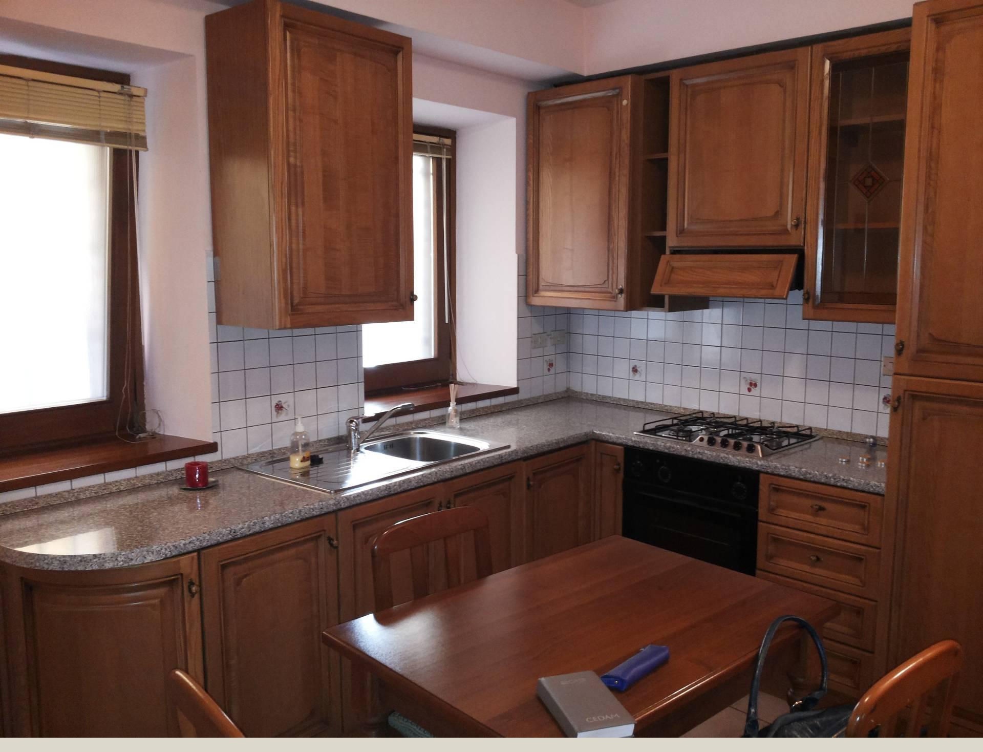Appartamento in affitto a Macerata, 3 locali, zona Località: Centrostorico, prezzo € 400 | Cambio Casa.it
