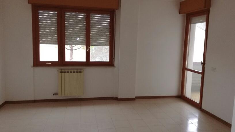 Appartamento in vendita a Macerata, 3 locali, zona Zona: Periferia, prezzo € 89.000 | Cambio Casa.it