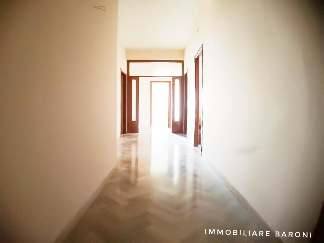 Appartamento MACERATA vendita  Periferia  Baroni Daniele
